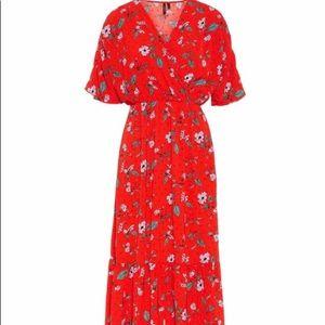 Gorgeous Vero Moda Maxi Dress.